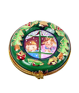 Limoges box Christmas Wreath with children n window
