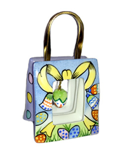 Easter bag with dangling egg Limoges box