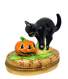 Limoges box black cat with Jack o' lantern