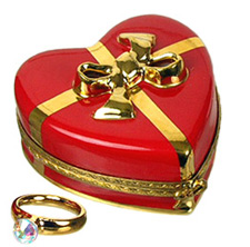 heart with engagement ring limoges box