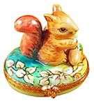 squirrel on leaves with acorn Limoges box