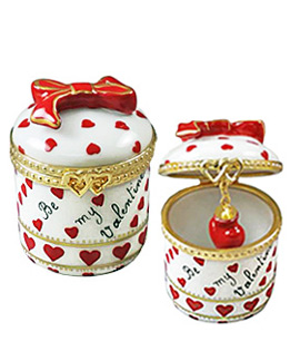 Limoges box Be My Valentine with dangling heart