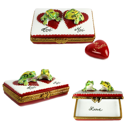 Two frogs -moi toi- on Limoges box with je t'aime heart