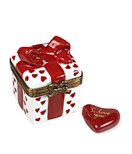 Limoges box love gift with hearts and inside heart