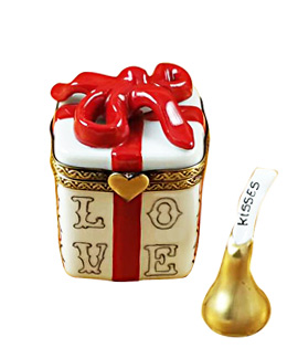 Limoges box love gift with candy kiss