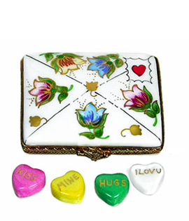 Limoges box Valentine letter with tulips decor and four conversation hearts