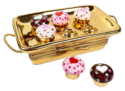 Heart decor cupcakes in gold tin Limoges box - baked in love written inside